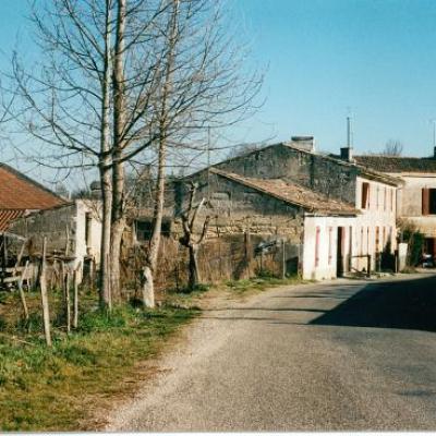 Maisons a l'entrée du bourg